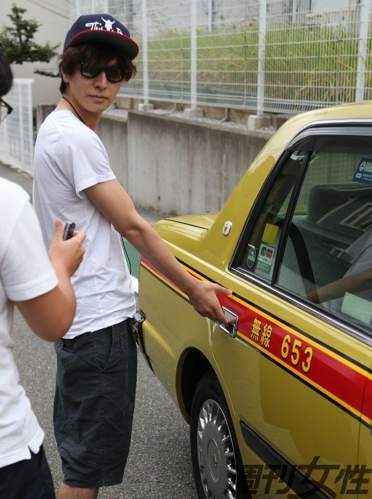 ジャニーズ所属の人気俳優・生田斗真と注目の若手女優・清野菜名が交際していることが、『週刊女性』の取材で明らかになった。
